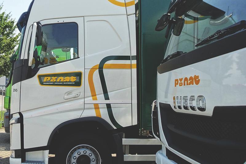 Voertuigen: belettering vrachtwagen