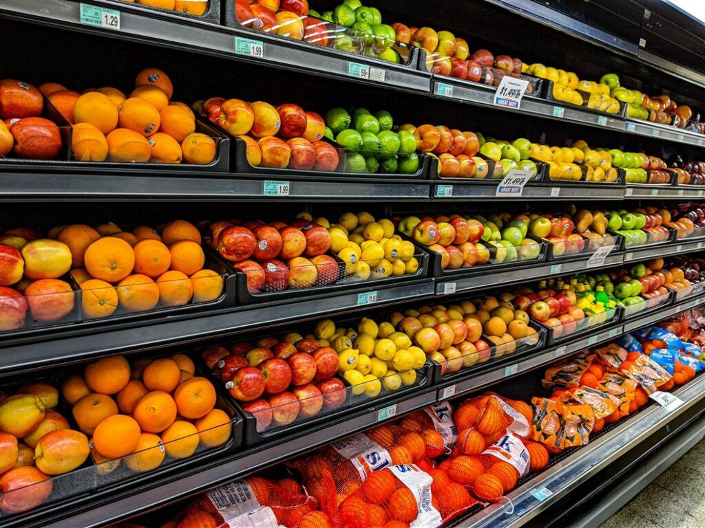 Groente en fruit in supermarkt