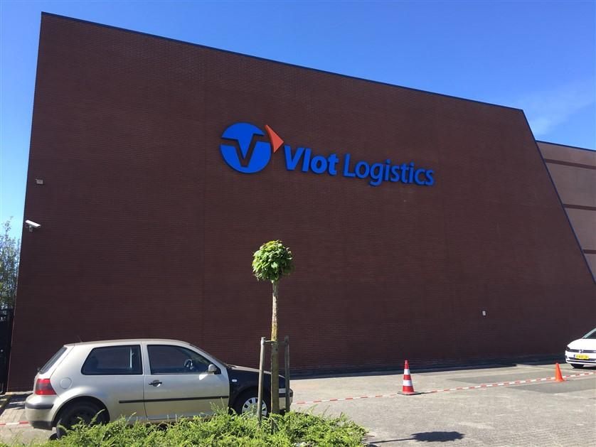 Gevelreclame Vlot Logistics in Sliedrecht