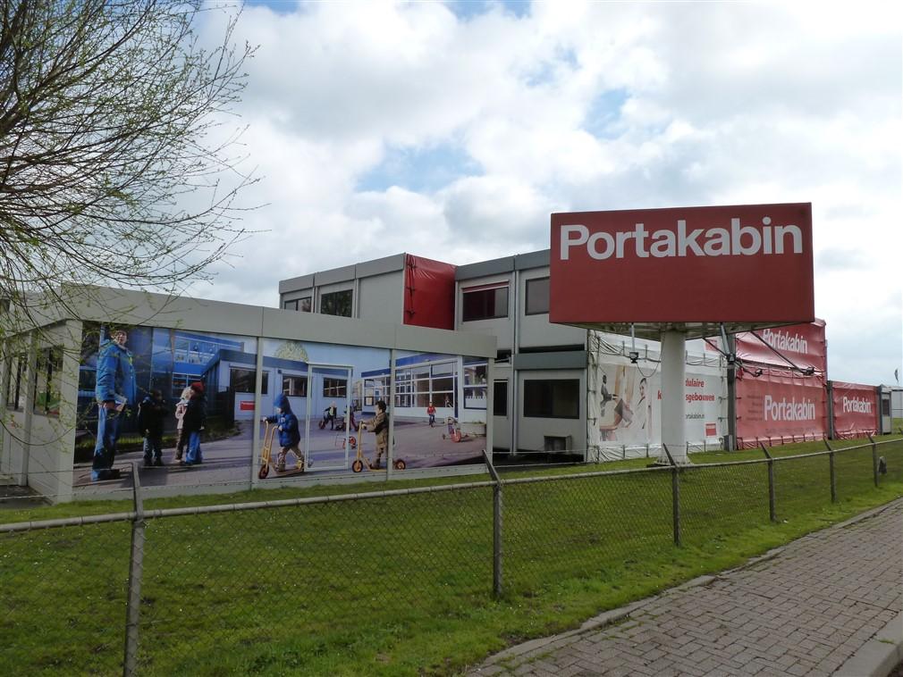Reclamemast voor Portakabin