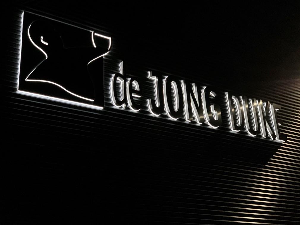 Verlichte doosletters inclusief LED verlichting bij De Jong DUKE