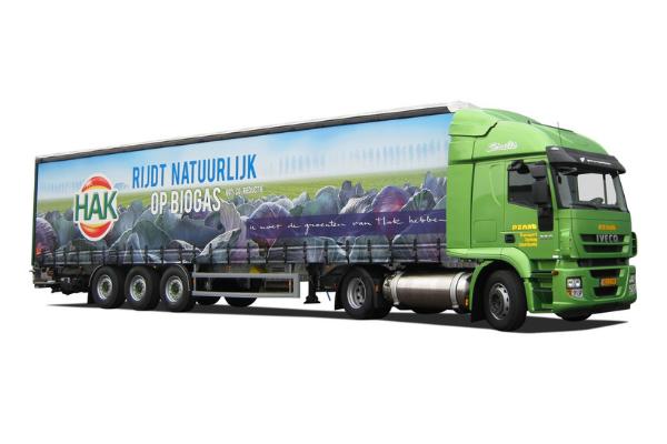Uitsnede van vrachtwagenbelettering voor Hak